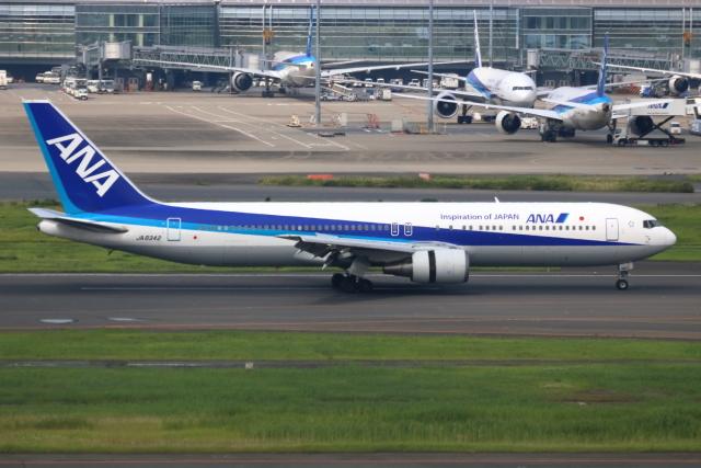▲®さんが、羽田空港で撮影した全日空 767-381の航空フォト(飛行機 写真・画像)
