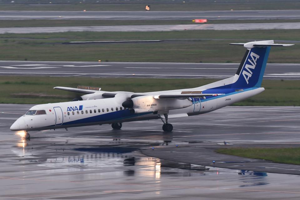 TOPAZ102さんのANAウイングス Bombardier DHC-8-400 (JA850A) 航空フォト