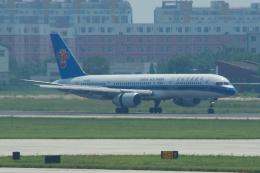 yabyanさんが、天津浜海国際空港で撮影した中国南方航空 757-2Z0の航空フォト(飛行機 写真・画像)