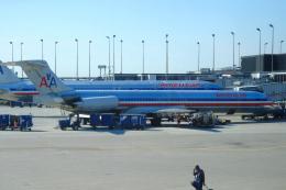 yabyanさんが、デトロイト・メトロポリタン・ウェイン・カウンティ空港で撮影したアメリカン航空 MD-82 (DC-9-82)の航空フォト(飛行機 写真・画像)
