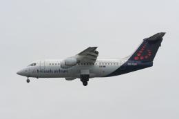 NIKEさんが、ロンドン・ヒースロー空港で撮影したブリュッセル航空 Avro 146-RJ85の航空フォト(飛行機 写真・画像)