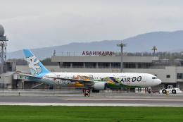 ひこ☆さんが、旭川空港で撮影したAIR DO 767-381の航空フォト(飛行機 写真・画像)