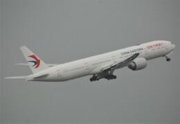 takikoki50000さんが、関西国際空港で撮影した中国東方航空 777-39P/ERの航空フォト(飛行機 写真・画像)