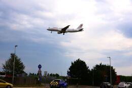まいけるさんが、ロンドン・ヒースロー空港で撮影したチュニスエア A320-211の航空フォト(飛行機 写真・画像)