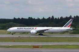 宮崎 育男さんが、成田国際空港で撮影したエールフランス航空 777-328/ERの航空フォト(飛行機 写真・画像)