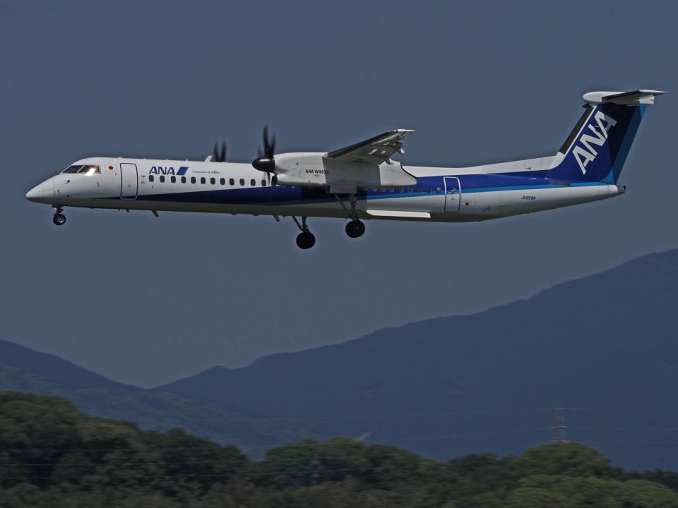 がいなやつさんのANAウイングス Bombardier DHC-8-400 (JA858A) 航空フォト
