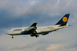 TA27さんが、フランクフルト国際空港で撮影したルフトハンザドイツ航空 747-430の航空フォト(飛行機 写真・画像)