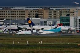 TA27さんが、フランクフルト国際空港で撮影したルクスエア DHC-8-402Q Dash 8の航空フォト(飛行機 写真・画像)