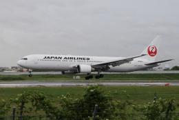 かにかにさんが、伊丹空港で撮影した日本航空 767-346/ERの航空フォト(飛行機 写真・画像)