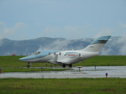 musaeru25cさんが、能登空港で撮影した日本法人所有 HA-420の航空フォト(飛行機 写真・画像)