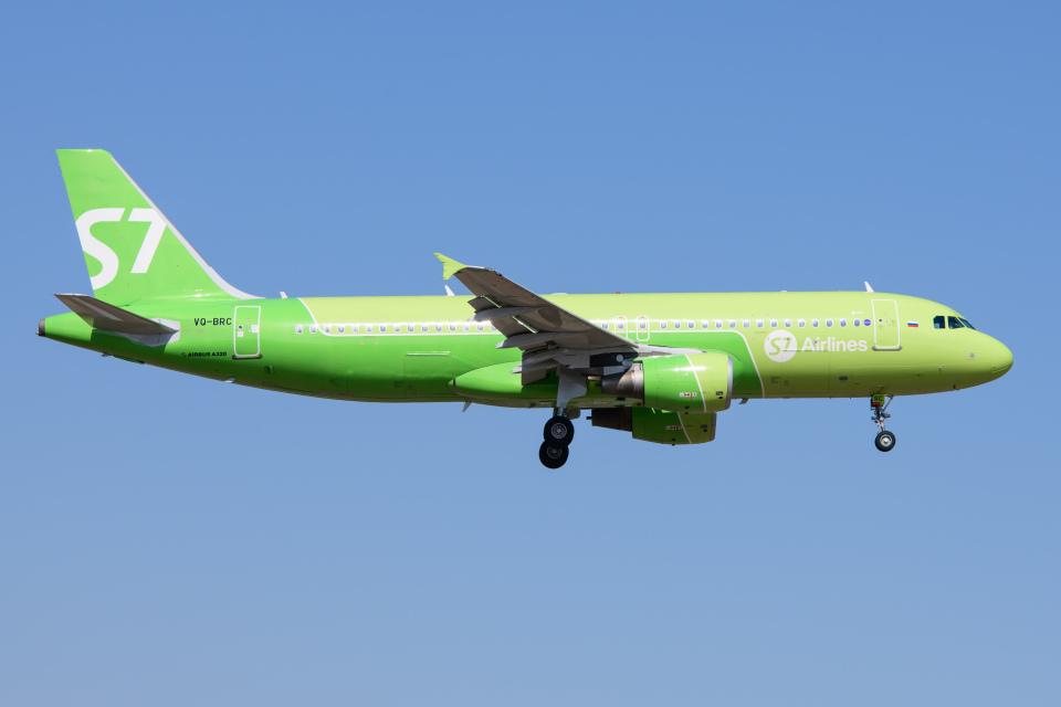 kuraykiさんのS7航空 Airbus A320 (VQ-BRC) 航空フォト