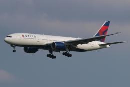 木人さんが、成田国際空港で撮影したデルタ航空 777-232/ERの航空フォト(飛行機 写真・画像)