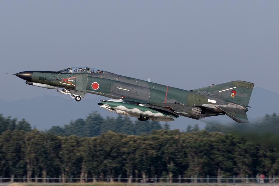 shootingstarさんの航空自衛隊 Mitsubishi RF-4EJ Phantom II (77-6392) 航空フォト