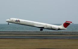 動物村猫君さんが、大分空港で撮影した日本航空 MD-90-30の航空フォト(飛行機 写真・画像)