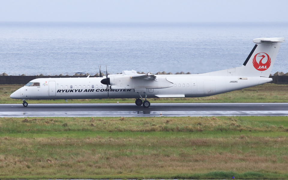 CL&CLさんの琉球エアーコミューター Bombardier DHC-8-400 (JA82RC) 航空フォト