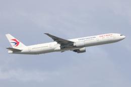 S.Hayashiさんが、成田国際空港で撮影した中国東方航空 777-39P/ERの航空フォト(飛行機 写真・画像)