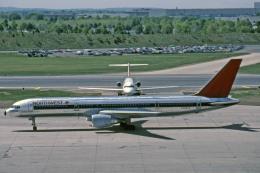 Gambardierさんが、ミネアポリス・セントポール国際空港で撮影したノースウエスト航空 757-251の航空フォト(飛行機 写真・画像)