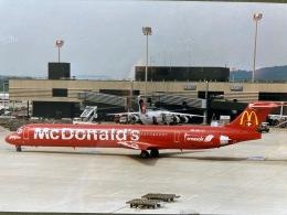 twinengineさんが、チューリッヒ空港で撮影したクロスエア MD-82 (DC-9-82)の航空フォト(飛行機 写真・画像)