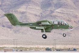 (新)ふぁんとむ改さんが、ネリス空軍基地で撮影したアメリカ企業所有 OV-10B Broncoの航空フォト(飛行機 写真・画像)
