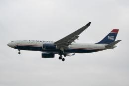 NIKEさんが、ロンドン・ヒースロー空港で撮影したUSエアウェイズ A330-243の航空フォト(飛行機 写真・画像)