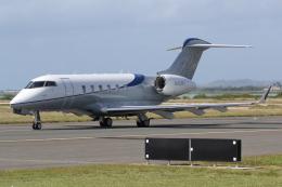 kinsanさんが、ダニエル・K・イノウエ国際空港で撮影したPrivate BD-100-1A10 Challenger 300の航空フォト(飛行機 写真・画像)