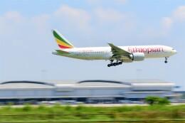 Hiro Satoさんが、スワンナプーム国際空港で撮影したエチオピア航空 777-260/LRの航空フォト(飛行機 写真・画像)