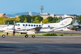 T spotterさんが、名古屋飛行場で撮影した日本法人所有 B300の航空フォト(飛行機 写真・画像)