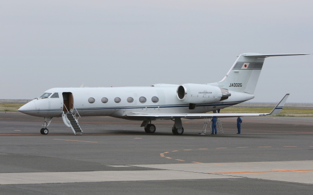 asuto_fさんが、大分空港で撮影したエム・エイチ・アイ・ファイナンス G-IV Gulfstream IV-SPの航空フォト(飛行機 写真・画像)