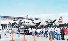 KOMAKIYAMAさんが、ボーイングフィールドで撮影した米国民間財団法人 B-17G Flying Fortressの航空フォト(飛行機 写真・画像)