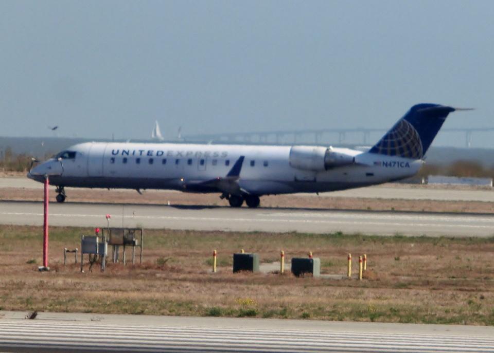 TA27さんのスカイウエスト Bombardier CRJ-200 (N471CA) 航空フォト