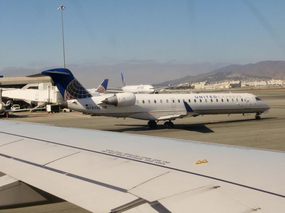 TA27さんのスカイウエスト Bombardier CRJ-700 (N785SK) 航空フォト