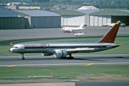 Gambardierさんが、ミネアポリス・セントポール国際空港で撮影したノースウエスト・オリエント航空 757-251の航空フォト(飛行機 写真・画像)