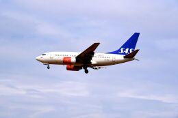まいけるさんが、ロンドン・ヒースロー空港で撮影したスカンジナビア航空 737-683の航空フォト(飛行機 写真・画像)