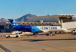 TA27さんが、フェニックス・スカイハーバー国際空港で撮影したコンツアー・アビエーション ERJ-135ERの航空フォト(飛行機 写真・画像)