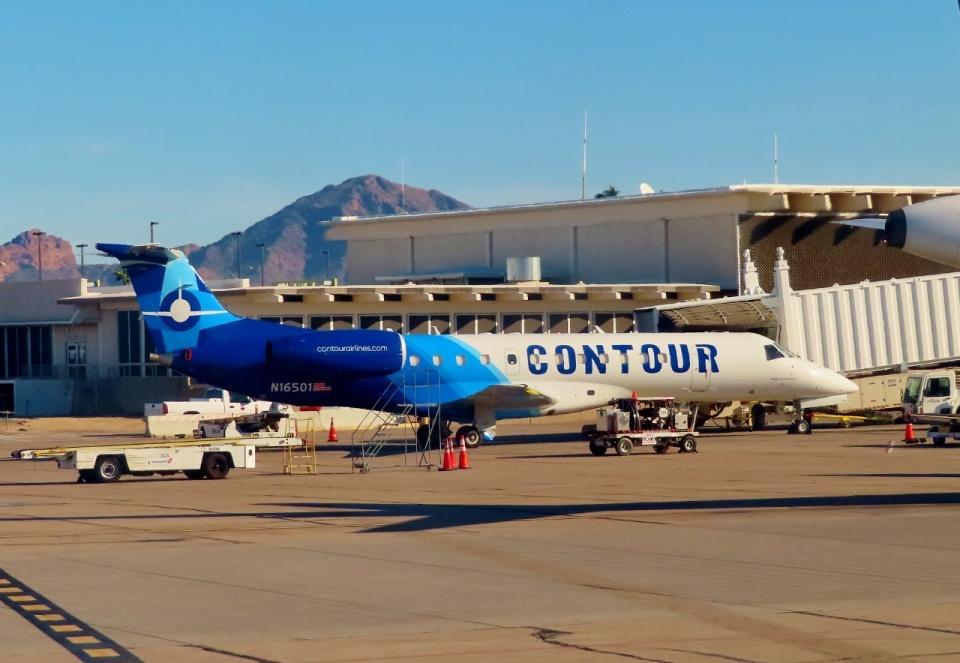 TA27さんのコンツアー・アビエーション Embraer ERJ-135 (N16501) 航空フォト