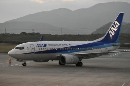 東亜国内航空さんが、石垣空港で撮影した全日空 737-781の航空フォト(飛行機 写真・画像)