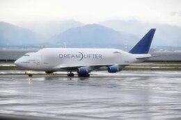 Re4/4さんが、中部国際空港で撮影したボーイング 747-409(LCF) Dreamlifterの航空フォト(飛行機 写真・画像)
