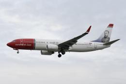 NIKEさんが、ロンドン・ガトウィック空港で撮影したノルウェー・エアシャトル 737-8JPの航空フォト(飛行機 写真・画像)