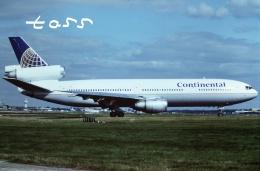 tassさんが、ロンドン・ガトウィック空港で撮影したコンチネンタル航空 DC-10-30の航空フォト(飛行機 写真・画像)