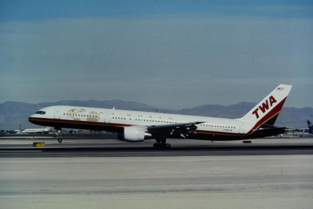 マッカラン国際空港 - McCarran International Airport [LAS/KLAS]で撮影されたマッカラン国際空港 - McCarran International Airport [LAS/KLAS]の航空機写真