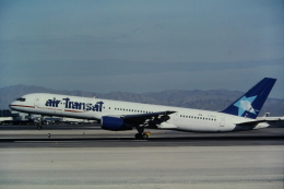 ゴンタさんが、マッカラン国際空港で撮影したエア・トランザット 757-236の航空フォト(飛行機 写真・画像)