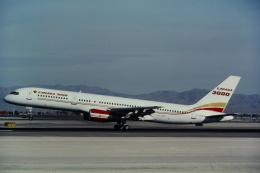 ゴンタさんが、マッカラン国際空港で撮影したカナダ3000 757-2Q8の航空フォト(飛行機 写真・画像)