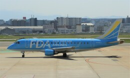 Rsaさんが、福岡空港で撮影したフジドリームエアラインズ ERJ-170-100 (ERJ-170STD)の航空フォト(飛行機 写真・画像)