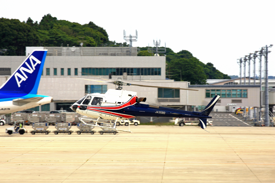 kiyochanさんのノエビア Eurocopter AS350 Ecureuil/AStar (JA35BD) 航空フォト