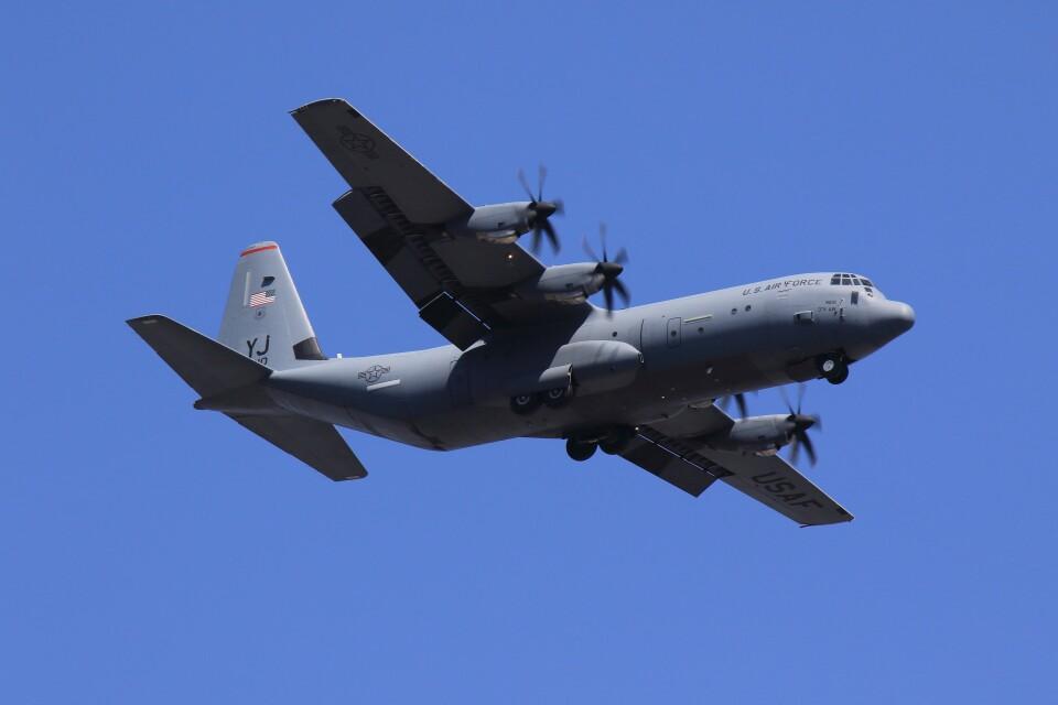 メンチカツさんのアメリカ空軍 Lockheed Martin C-130 Hercules (06-8610) 航空フォト
