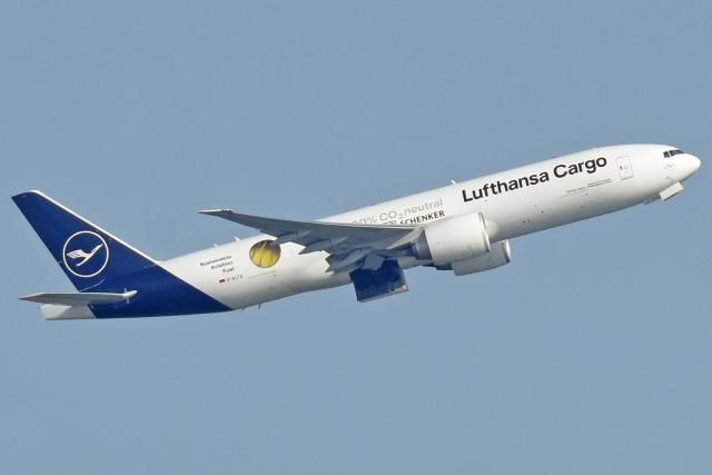sachiさんが、関西国際空港で撮影したルフトハンザ・カーゴ 777-Fの航空フォト(飛行機 写真・画像)