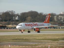 kohei787さんが、ハンブルク・フィンケンヴェルダー空港 で撮影したイージージェット A319-111の航空フォト(飛行機 写真・画像)