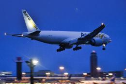 パンダさんが、成田国際空港で撮影したアエロ・ロジック 777-F6Nの航空フォト(飛行機 写真・画像)