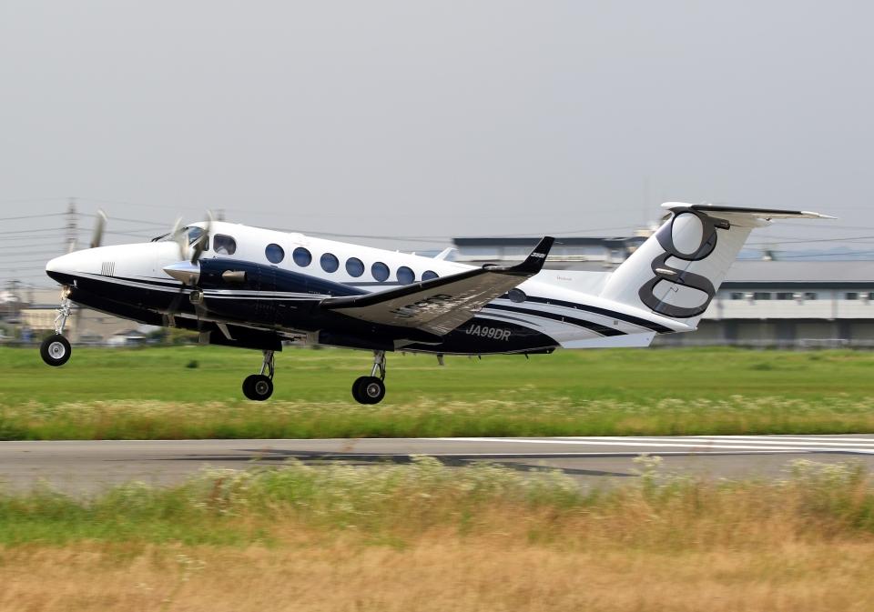 LOTUSさんの日本法人所有 Beechcraft King Air 350 (JA99DR) 航空フォト