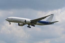 LEGACY-747さんが、成田国際空港で撮影したサザン・エア 777-F16の航空フォト(飛行機 写真・画像)